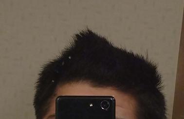 クセの強い髪